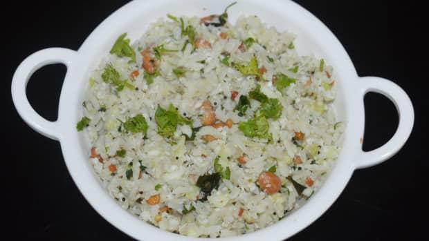 cucumber-poha-sautekai-avalakki-kakdi-poha-recipe
