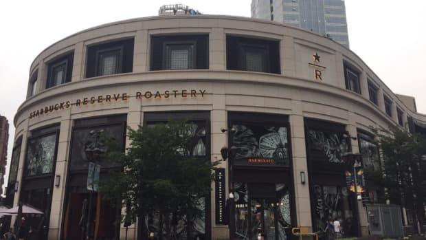 starbucks-reserve-roastery-shanghai-china