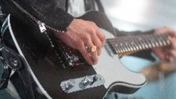 how-to-make-your-guitar-solos-stand-out