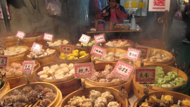 what-makes-chinese-ngo-hiong-so-delicious-the-origin-of-cebus-best-tasty-treat