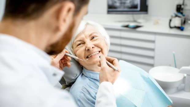 how-to-take-care-of-the-oral-health-of-the-elderly