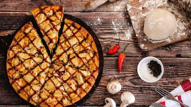 the-perfect-spicy-chicken-pizza-youll-ever-make