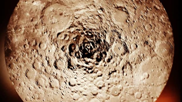 the-moons-south-pole-has-many-secrets-which-chandrayaan-1-is-helping-to-uncover