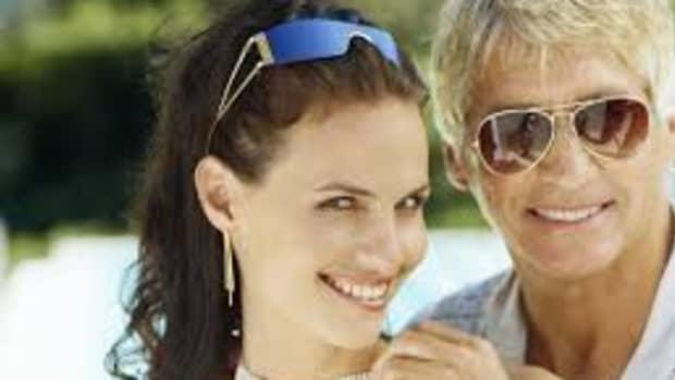 26-tips-for-older-women-dating-younger-men