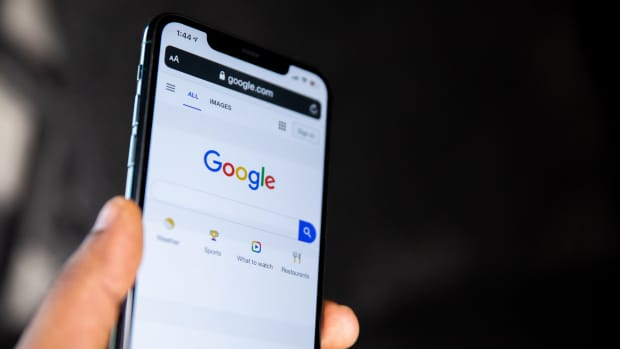 how-to-sign-out-of-one-google-account-when-using-multiple-accounts-on-phone