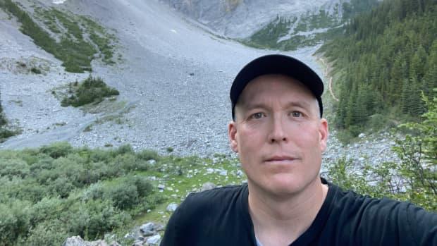 c-level-cirque-trail-in-banff-national-park