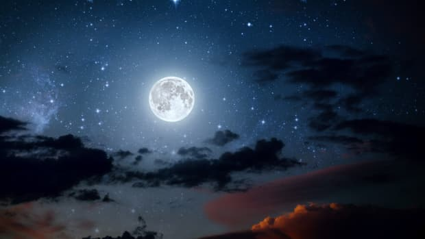 a-full-moon-routine-to-harness-the-cosmic-power