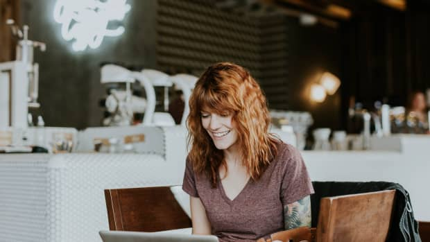 12-ways-to-make-money-online-from-your-artistic-skills