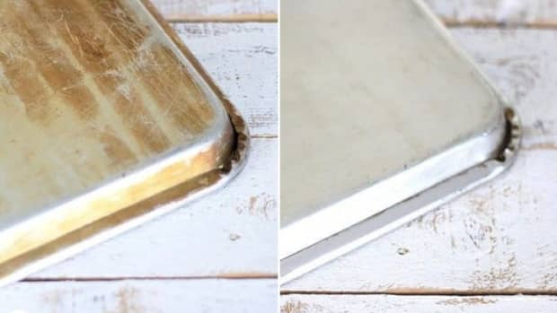 how-to-clean-burn-marks-from-your-baking-sheets