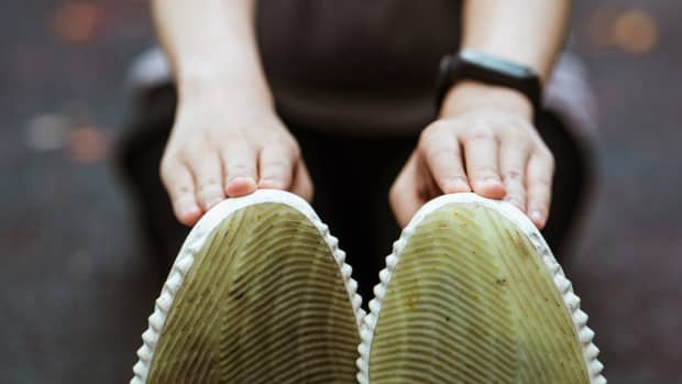 how-to-clean-yellowing-soles