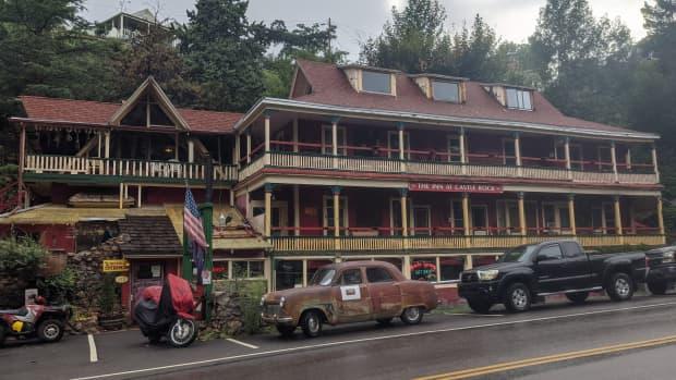 spending-a-night-at-bisbee-arizonas-historic-castlerock-inn