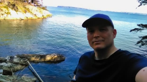 lighthouse-park-in-west-vancouver-hiking-trails