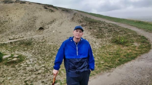 nose-hill-park-trails-in-calgary-alberta