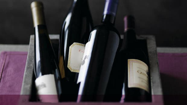 hosting-a-wine-party