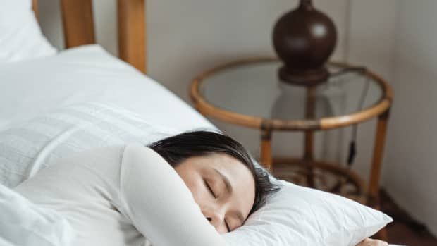 man-needs-a-quiet-sleep-for-the-brain