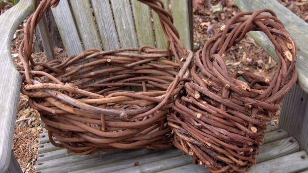 how-to-make-a-grapevine-basket