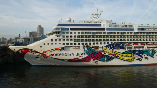 norwegian-cruise-vs-carnival-cruise
