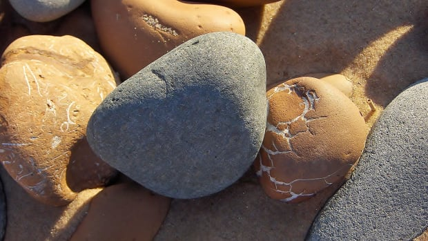 sand-smoothed-stones-and-beach-melt-my-photo-essay
