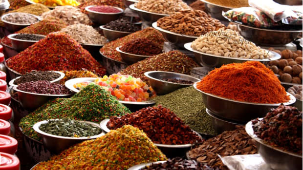 aromatic-spices-the-basic-ingredients-of-indian-cuisine