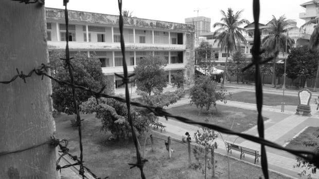 visit-the-phnom-penh-prison-camp-tuol-sleng