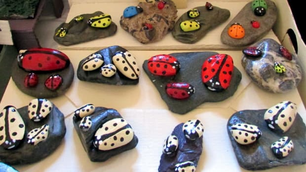 how-to-paint-ladybird-stones-painted-ladybirds-on-small-pebbles-painting-acrylic-sell-craft-fairs