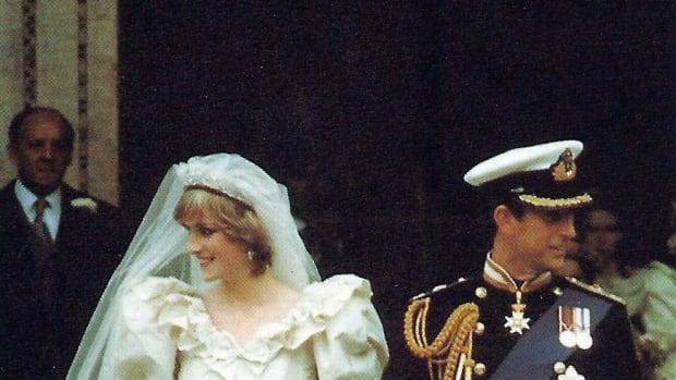 princess-dianas-wedding-bouquet