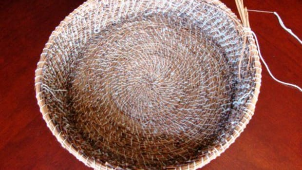 making-my-second-pine-needle-basket