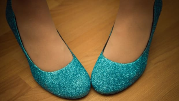 diy-glitter-shoes