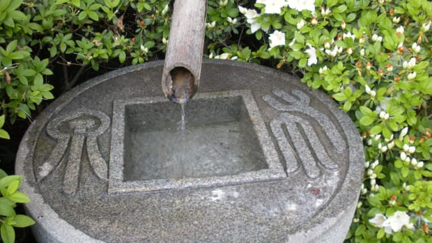 fountains-in-japanese-gardens-a-small-gallery