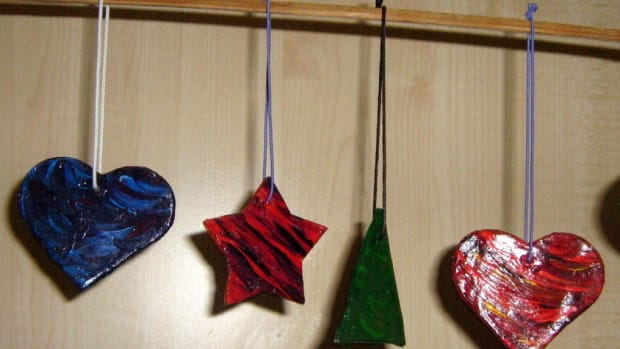 how-to-make-homemade-christmas-tree-decorations-with-easy-clay-making-children-kids