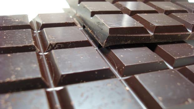 organic-chocolate-vs-regular-chocolate