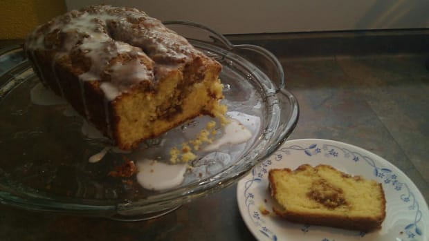 yellow-cake-mix-cinnamon-bread