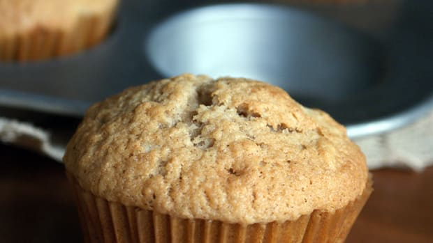 applesauce-muffins