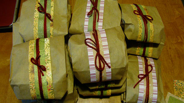 how-to-wrap-a-gift-when-you-have-run-out-of-wrapping-paper