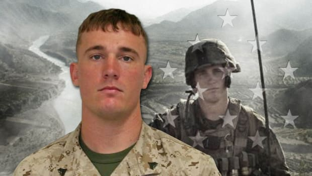 booke-review-dakota-meyer-medal-of-honor