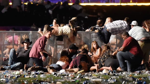 wounded-las-vegas-witness-claims-100-multiple-shooters-says-all-other-witnesses-he-knows-say-same