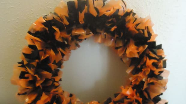 easy-halloween-wreath-tutorial