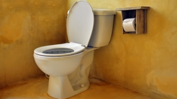 up-or-down-the-never-ending-toilet-seat-battle