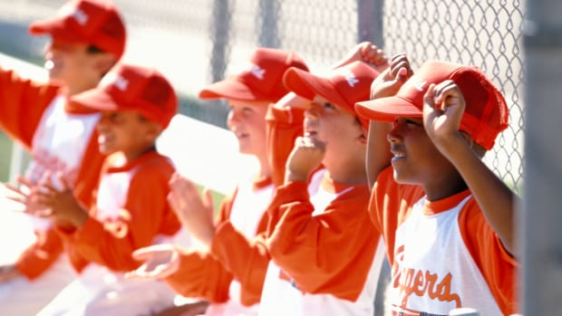 how-to-teach-little-league-baseball-signals