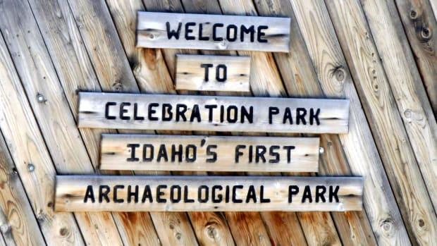 visiting-celebration-park-and-the-rock-art-petroglyphs