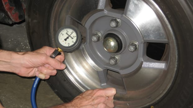 checking-tire-pressures-aftermarket-wheels