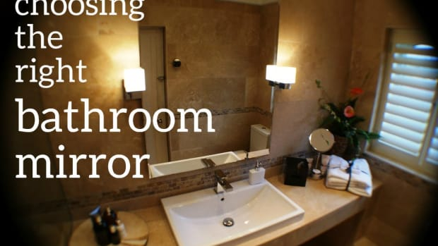 sizing-the-mirror-above-your-bathroom-vanity