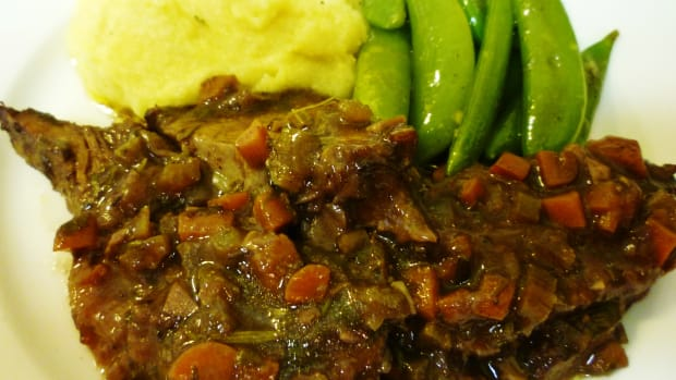 brasato-make-ahead-meal-with-beef-veggies-and-red-wine