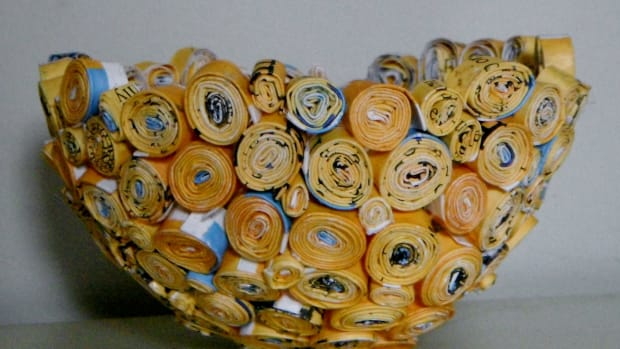 how-to-recycle-magazines-tuorial-for-a-rolled-magazine-bowl