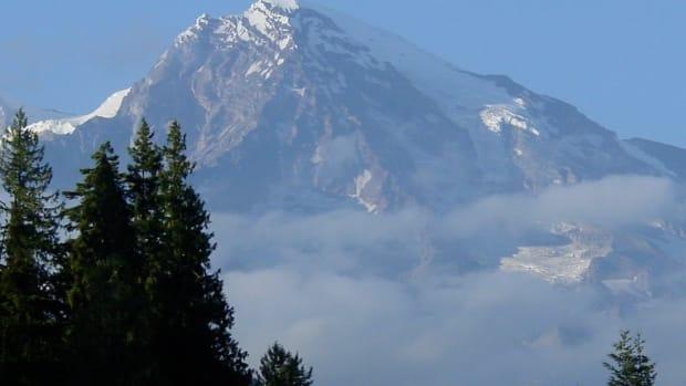 mount-rainier-national-park-travel-guide