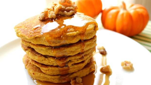 paleo-breakfast-moist-protein-paleo-pancakes
