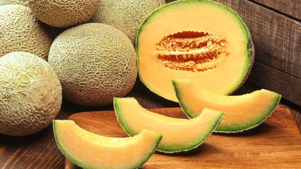 cantaloupe-a-nutritious-and-delicious-melon-with-edible-seeds