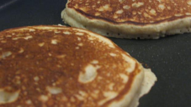 amazing-whole-wheat-banana-pancakes
