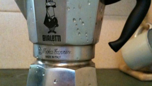 make-perfect-stovetop-espresso-coffee-with-a-bialetti-moka-pot