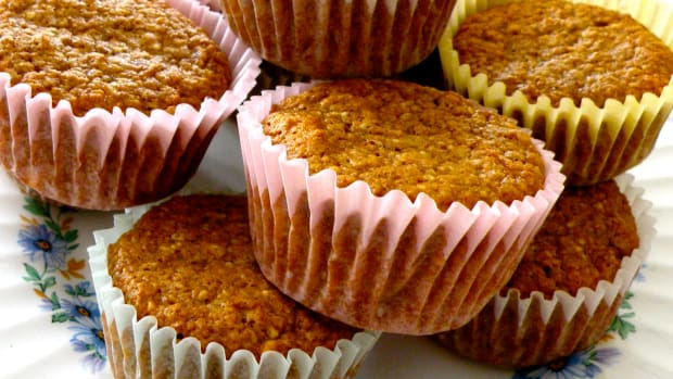 banana-applesauce-raisin-bran-muffin-recipe-low-fat-and-healthy